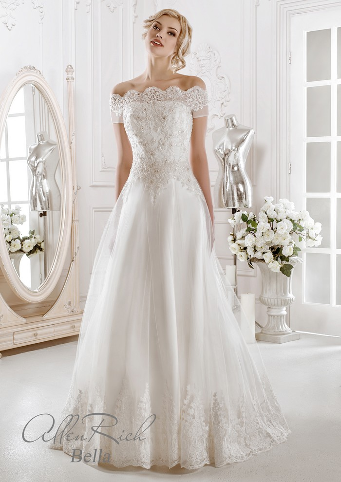Embroidery Lace Wedding Dress