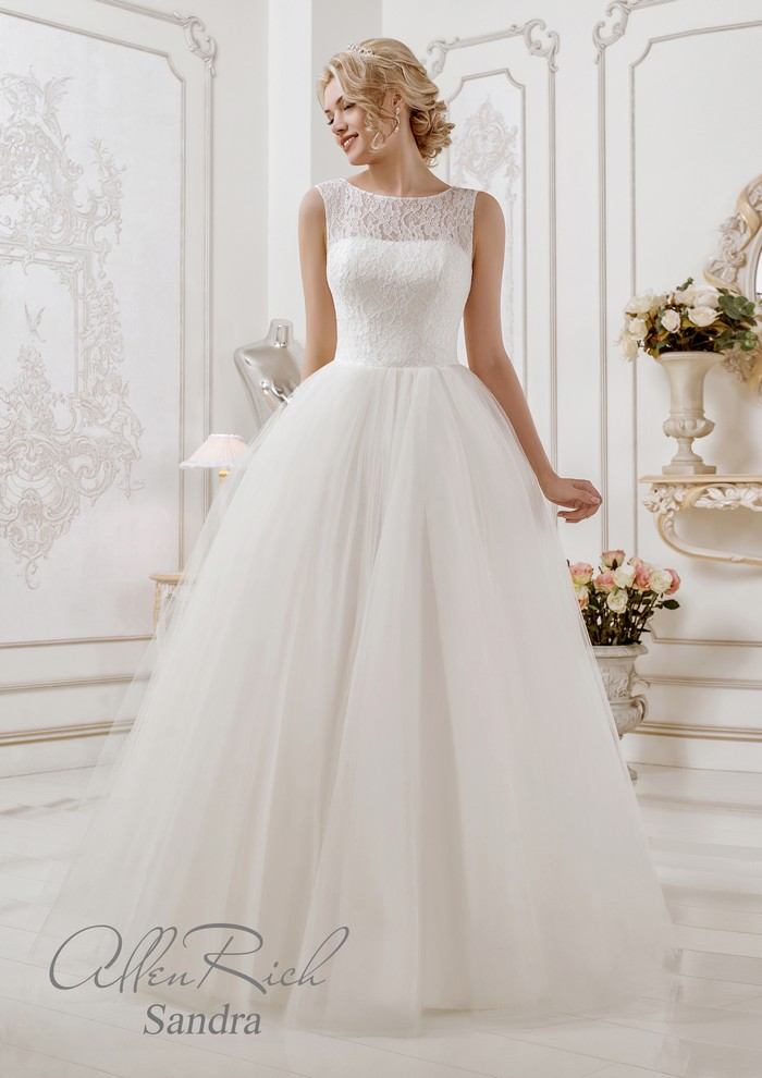 Sandra wedding dress